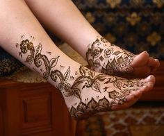Cute Henna Tattoos on the Foot for Girls | Styles Time Tribal Tattoos, Cute Henna Tattoos, Tattoo Henna, Hand Tattoo, Zodiac Tattoos, Henna Ink, Small Tattoos, Tattoo Feet, Ink Tattoos