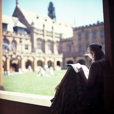 New alternate take on #girlsreadingundertrees ... feature campus grounds, bokeh