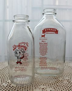 2 Vintage milk bottles- great pic of cow Vintage Milk Bottles, Glass Milk Bottles, Beverage Packaging, Bottle Packaging, Old Milk Cans, Milk The Cow, Milk Box, Message In A Bottle, Oldies But Goodies