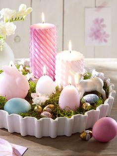 Osternest mit Eierkerzen
