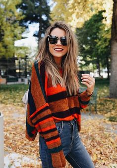 stripped fall sweater // love this casual outfit