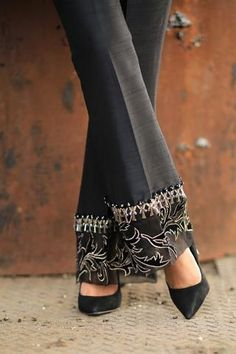 Black raw silk trousers with velvet and organza patchwork on flare with embellishment. Can be ordered as cigarette trousers, straight trousers, bootcut trousers or culottes. Also available to order in ivory. Fashion Pants, Look Fashion, Fashion Dresses, Womens Fashion, Trousers Women, Pants For Women, Clothes For Women, Moda Outfits, Salwar Designs