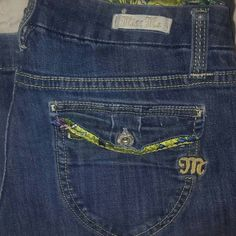 Miss Me size 27 Regular Bootcut Adorable Sz. 27 Miss Me Jeans Med/Dark Wash.  Very flattering fit. Like New Cobdition. Miss Me Pants Boot Cut & Flare