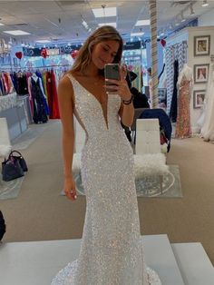 Stunning Prom Dresses, Fitted Prom Dresses, Deb Dresses, Sequin Evening Dresses, Pretty Prom Dresses, Mermaid Evening Dresses, Tight Fitting Prom Dresses, V Neck Prom Dresses, Mermaid Style Prom Dresses
