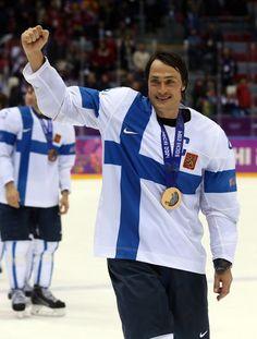 """The Fin(n)ish Line: Finland and """"Jääkiekko"""" - http://thehockeywriters.com/the-finnish-line-finland-and-jaakiekko/"""