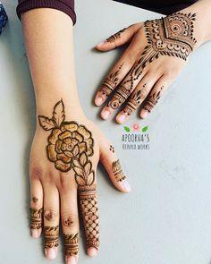 131 Simple Arabic Mehndi Designs That Will Blow Your Mind! Simple Mehndi Designs Fingers, Very Simple Mehndi Designs, Pretty Henna Designs, Rose Mehndi Designs, Finger Henna Designs, Beginner Henna Designs, Latest Bridal Mehndi Designs, Henna Designs Easy, Henna Tattoo Designs