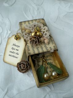 Hello my dear friends, today I would love to share another one of my matchbox creations with you. I made this one a little Christmas box. Noel Christmas, Little Christmas, Vintage Christmas, Christmas Ornaments, Christmas Place, Matchbox Crafts, Matchbox Art, Christmas Projects, Holiday Crafts
