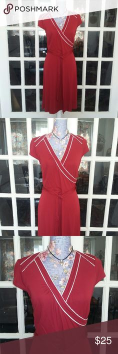 Ann Taylor Loft Red Shift Dress Career EUC Really nice dress by Ann Taylor size 6. The material is rayon and polyester. The color is a beautiful red with white accents. The zipper is on the side. The dress does come with a red sash that you can tie in the front back side around your neck her however you want to. The measurements turned sideways in the pictures chest is around 17 inches. Let me know if you need other measurements. Dress is in excellent condition. Thank you for visiting my…