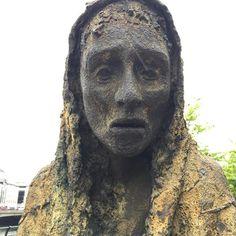 #ireland #dublin #statue #art #bronze #hungry #landmark #photooftheday #photography #women #famine #faminememorial #nofilter #national #starvin #beige #black #rust #antique