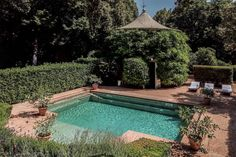 Italian fashion designer Valentino Garavani lists palatial Tuscan villa for sale for Villa Pool, Italy House, Tuscan Design, Tuscan Style, Italian Villa, Italian Style, Italian Summer, Mediterranean Homes, Tuscan Homes