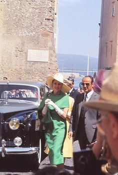 Doses of Grace is a tribute blog to Grace Kelly, Princess of Monaco, run by a devoted fan. ♥ With...