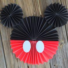 Mickey mouse disney pinwheels by StripestoSparkle on Etsy Mickey Mouse Birthday Decorations, Mickey Mouse Crafts, Fiesta Mickey Mouse, Theme Mickey, Mickey Mouse Clubhouse Birthday, Mickey Mouse Christmas, Mickey Mouse Parties, Mickey Birthday, Mickey Party