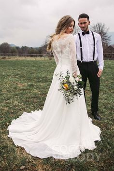 Taking Amazing Wedding Pictures In Our Dream Wedding Dress On The Big Day Is Unquestionably A Dream! #weddingdresses #customdresses #cocomelody #weddingpictures #bridallook #bridaldresses