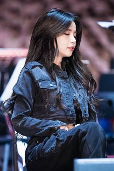 Beautiful as a blazing sunset and as brilliant as heavenly sight of light. Kpop Girl Groups, Korean Girl Groups, Kpop Girls, Solar Mamamoo, Mamamoo Kpop, Divas, Girl Themes, Sensual, K Idols