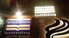 Einst Deutsche Buchhandlung, heute Türkisch-deutsches Kaffee und Buchhandlung der Familie Mühlbauer.