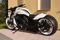 Harley Davidson Pictures, Harley Davidson V Rod, Chopper, Night Rod Special, Bike Photo, Custom Harleys, Cool Motorcycles, Helmets, Motorbikes
