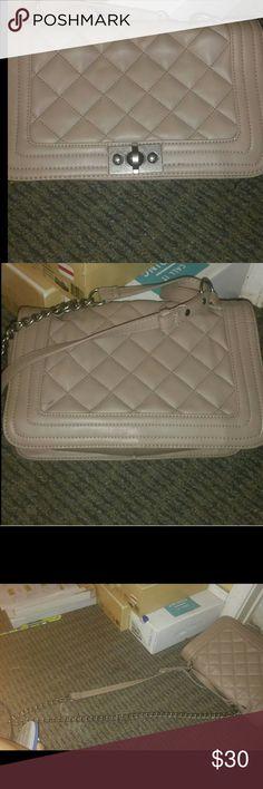 Steve Madden quilted bag Steve Madden quilted handbag Steve Madden Bags Shoulder Bags