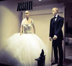 #TosettiComo #tosettiAlessandro #collezioniSposa2016 In vetrina oggi .....vi aspettiamo per conoscervi allo #SwissDiamond il 3 ottobre. Il 9/10/11 ottobre a Brianza Sposi e Como Sposi STAY TUNED    www.tosettisposa.it  #abitidasposa2016 #wedding #weddingdress #tosetti #abitidasposo #abitidacerimonia #abiti #tosettisposa #nozze #bride #modasottolestelle #agenzia1870 #alessandrotosetti  #nicole #pronovias #alessandrarinaudo  #realtime #l'abitodeisogni #simonemarulli #aireinbarcellona…