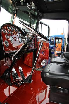 Trucking..Peterbilt custom interior