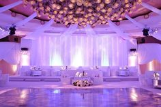 Bold bright lavender lighting designs by #thelightersidela  at this @BevHillsHotel celebration!