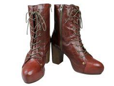 Botin en piel con cordones y cremallera. Medias tacon: 9cm Combat Boots, Shoes, Fashion, Bordeaux, Lanyards, Zippers, Tights, Fur, Zapatos