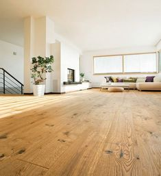 HARO PARQUET 4000 Plank Oak Sauvage retro textured naturaLin plus oiled Top Connect - Countryhouse Cleaning Wood Floors, Diy Wood Floors, Timber Flooring, Wood Stain, Retro Home Decor, Easy Home Decor, Parquet Haro, Attic Living Rooms, Laminate Flooring Colors