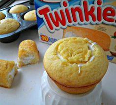 Twinkie Copycat Cupcakes #cupcakes #cupcakeideas #cupcakerecipes #food #yummy #sweet #delicious #cupcake