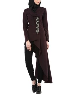 Shop Purple Embellished Asymmetric Tunic from House of Zeniaa By Esha Gupta Indian Fashion Designers, Indian Designer Outfits, Latest Pakistani Dresses, Unique Dresses, Indian Wear, Traditional Outfits, Women Wear, How To Wear, Tunics
