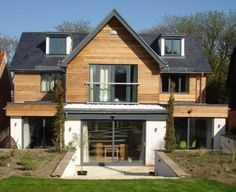 Visit our inspirational timber cladding gallery, with extensive pictures of real domestic and commercial projects using our cedar, Siberian larch and Thermowood exterior cladding. Wood Cladding Exterior, Larch Cladding, House Cladding, Facade House, Cladding Design, Style At Home, Dormer Bungalow, Bungalow Porch, Dormer House