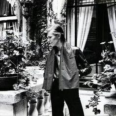 vezzipuss.tumblr.com — David Bowie, Berlin, Circa 78