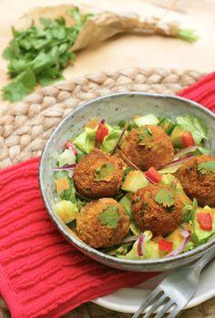 Ingrédients [node:title] -150 g de haché végétal Sojade- 100 g de pommes de terre cuites-½ oignon- 40 g d'amandes