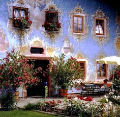 : beautiful palace in Austria, flowers everywhere