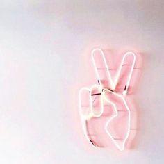 i like it when you sleep aesthetic Bedroom Wall Collage, Photo Wall Collage, Picture Wall, Aesthetic Backgrounds, Aesthetic Iphone Wallpaper, Aesthetic Collage, Pink Aesthetic, Roses Tumblr, Photowall Ideas