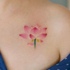 30 Incredible Flower Tattoos Designs You Must See - Beste Tattoo Ideen Pretty Flower Tattoos, Flower Tattoo Back, Small Flower Tattoos, Flower Tattoo Shoulder, Back Tattoo, Beautiful Tattoos, Tattoo Flowers, Wrist Tattoo, Lotus Tattoo
