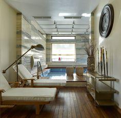 Современый дом на Николиной Горе с ритмом вертикалей и горизонталей
