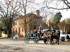 Living in Williamsburg - Distinguished Homes and Distinguished Construction of Virginia