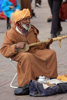 Street Musician in Makarresh