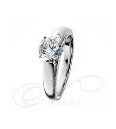 El anillo de diamantes SARA NAVARRO 3 es un bellísimo diseño de solitario de diamantes de oro de Primera Ley, creado por Sara Navarro de forma exclusiva para Navas Joyeros. Se trata de una joya de gran calidad y precio muy competitivo, especialmente recomendada como anillo de pedida. Igualmente, es una joya que aporta glamour y elegancia en cualquier ocasión, siendo un anillo ideal para un regalo especial.