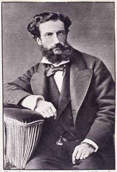 Il padre di Guido. Fausto Gozzano, ingegnere, aveva sposato in seconde nozze una donna con quasi vent'anni di meno, Diodata Mautino, figlia del senatore Massimo.