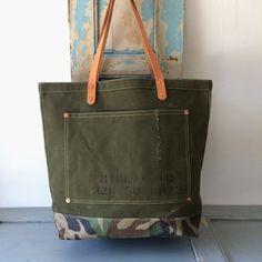 Circa 60's US ARMY Olive Drab canvas remake tote bag. I put out gusset of the bag and reinforced with copper rivets. IND_BNP_00113_USARMY W48cm H39cm D14cm Handle56cm