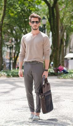 shades of neutral // menswear street style + fashion Fast Fashion, Fashion Moda, Mens Fashion, Fashion Outfits, Fashion Trends, Swag Style, My Style, Simple Style, Outfit Jeans