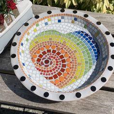 Mosaic Birdbath, Mosaic Garden Art, Mosaic Tile Art, Mosaic Birds, Mosaic Artwork, Mosaic Glass, Stained Glass, Mosaic Art Projects, Mosaic Crafts