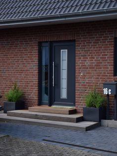 hauseingang gestalten treppe vom eingangsbereich au en gestalten hausbau blog pinterest. Black Bedroom Furniture Sets. Home Design Ideas