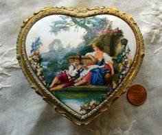 Vintage Jewelry Box Vintage Heart Shaped by QueeniesVintageFinds, $19.95