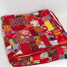 couvre lit jet de canap tenture bleue en patchwork avec 2 coussins textiles patchwork et. Black Bedroom Furniture Sets. Home Design Ideas