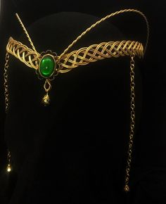 Gold Celtic Circlet Hobbit Handfasting elven Arwen medieval tiara pagan LOTR from ElvenstarDesign on Etsy. Cute Jewelry, Hair Jewelry, Jewelry Accessories, Jewlery, Lila Outfits, Loki Cosplay, Lady Loki, Circlet, Handfasting
