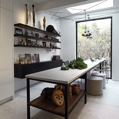 Simple space with personality -- #interior #interiors #interior4all #interiordesign #interiordesigner #home #homedecor #homestyling #luxury #luxurious #luxuryhomes #style #trends #beauty #design #window by martynwhitedesigns