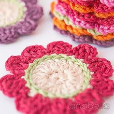 Crocheting flowers for new DIY spring projects Crochet Coaster Pattern, Crochet Flower Patterns, Crochet Motif, Crochet Doilies, Crochet Flowers, Crochet Kitchen, Crochet Home, Love Crochet, Diy Crochet