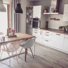 Modern Dining Room Chairs That Will Change Your Home Decor Dining Table Lighting, Furniture Dining Table, Modern Dining Table, Small Dining, Wooden Furniture, Dining Tables, Rooms Furniture, Round Tables, Kitchen Furniture
