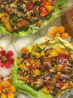 Vegetarian Chinese Recipes, Raw Food Recipes, Cooking Recipes, Thai Recipes, Vegetarian Entrees, Snacks Recipes, Easy Cooking, Appetizer Recipes, Thai Lettuce Wraps